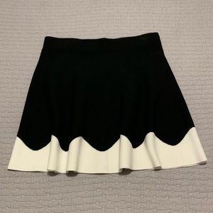 NWT Black and White Wave Knit Skater Skirt